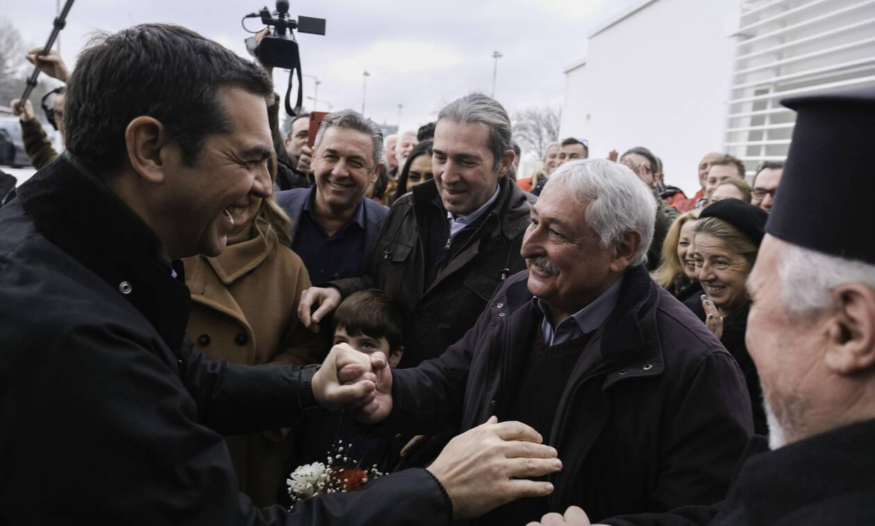 Tsipras goes after the Government on the refugee issue: Provocative and inept
