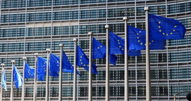 European Commission revises Greek growth rate projections at 2.4%