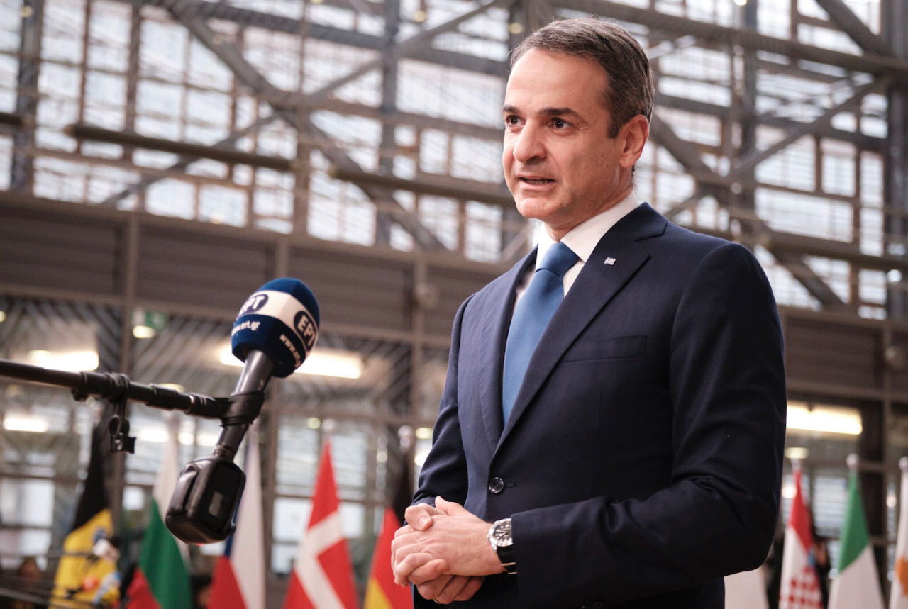 Greece: Mitsotakis to call for more development funds and solidarity on the refugee issue while in Brussels