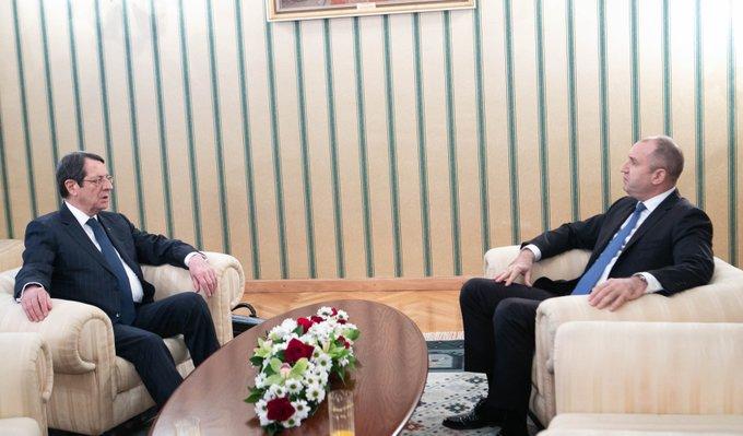 Cyprus: Anastasiades meets with Radev