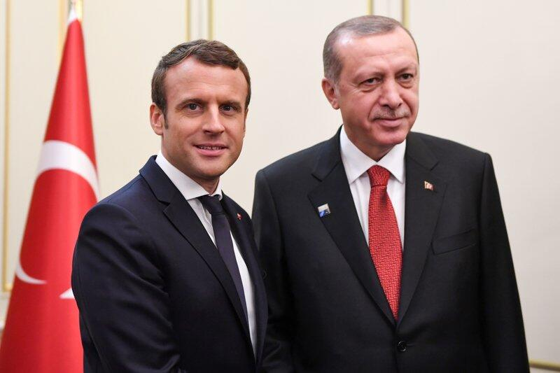 Turkey: Erdogan, Macron speak on the phone