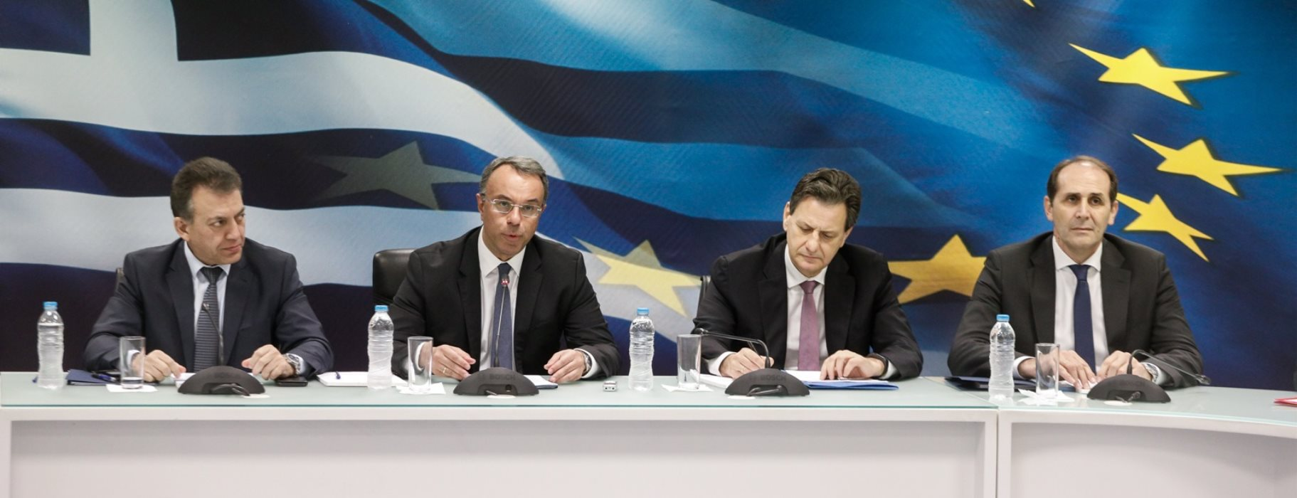 Greece presents fresh economic measures to tackle COVID-19 emergency