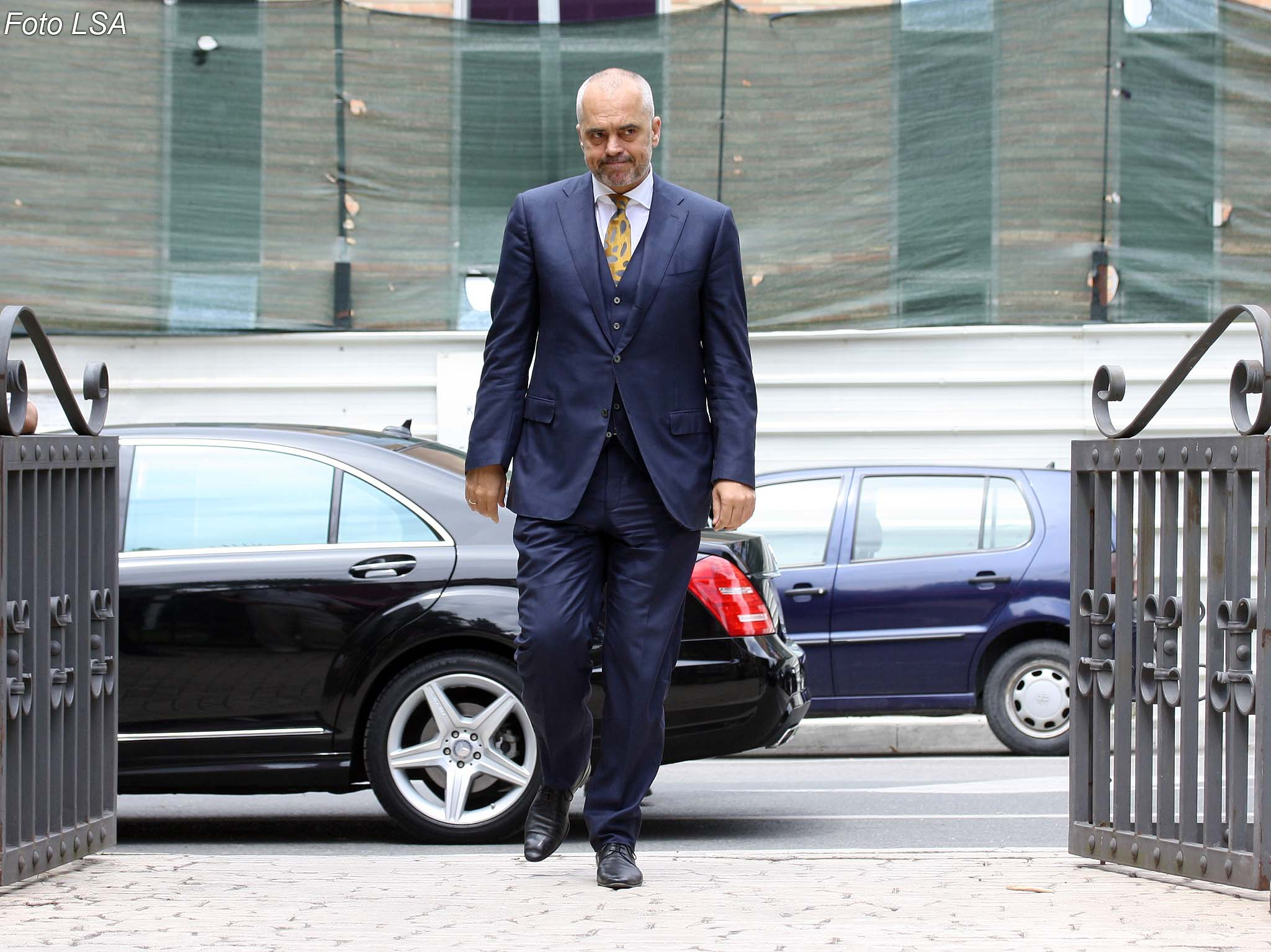 Albania: Rama announces extension of financial support measures