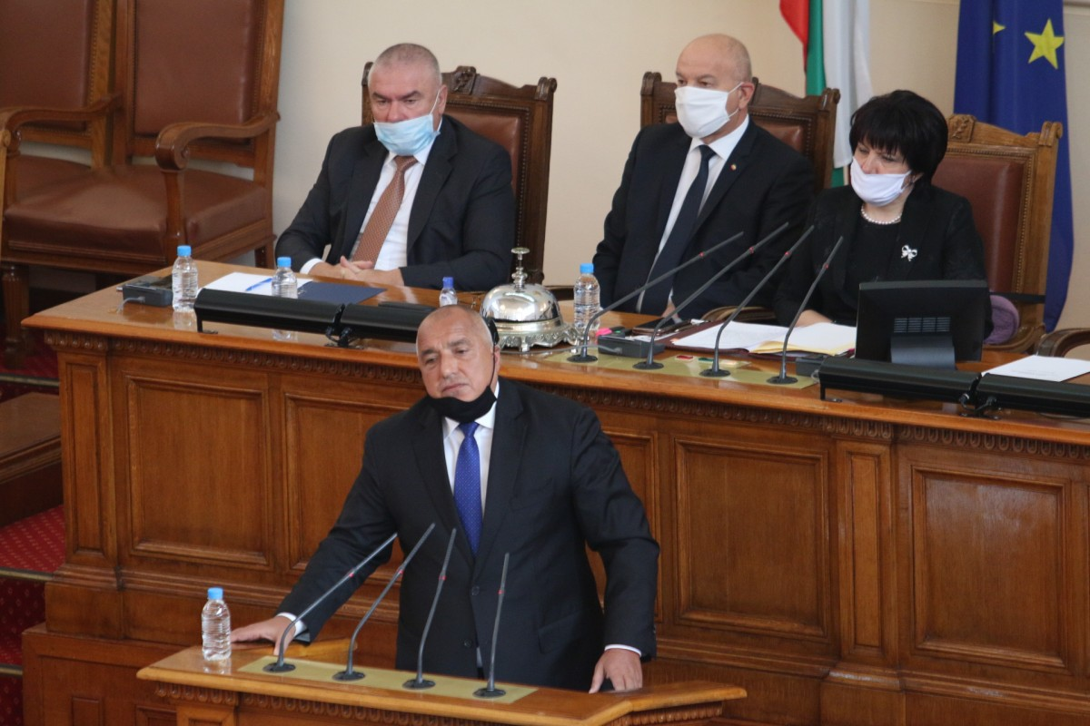 Bulgaria: Borissov, Ninova cross swords in Parliament