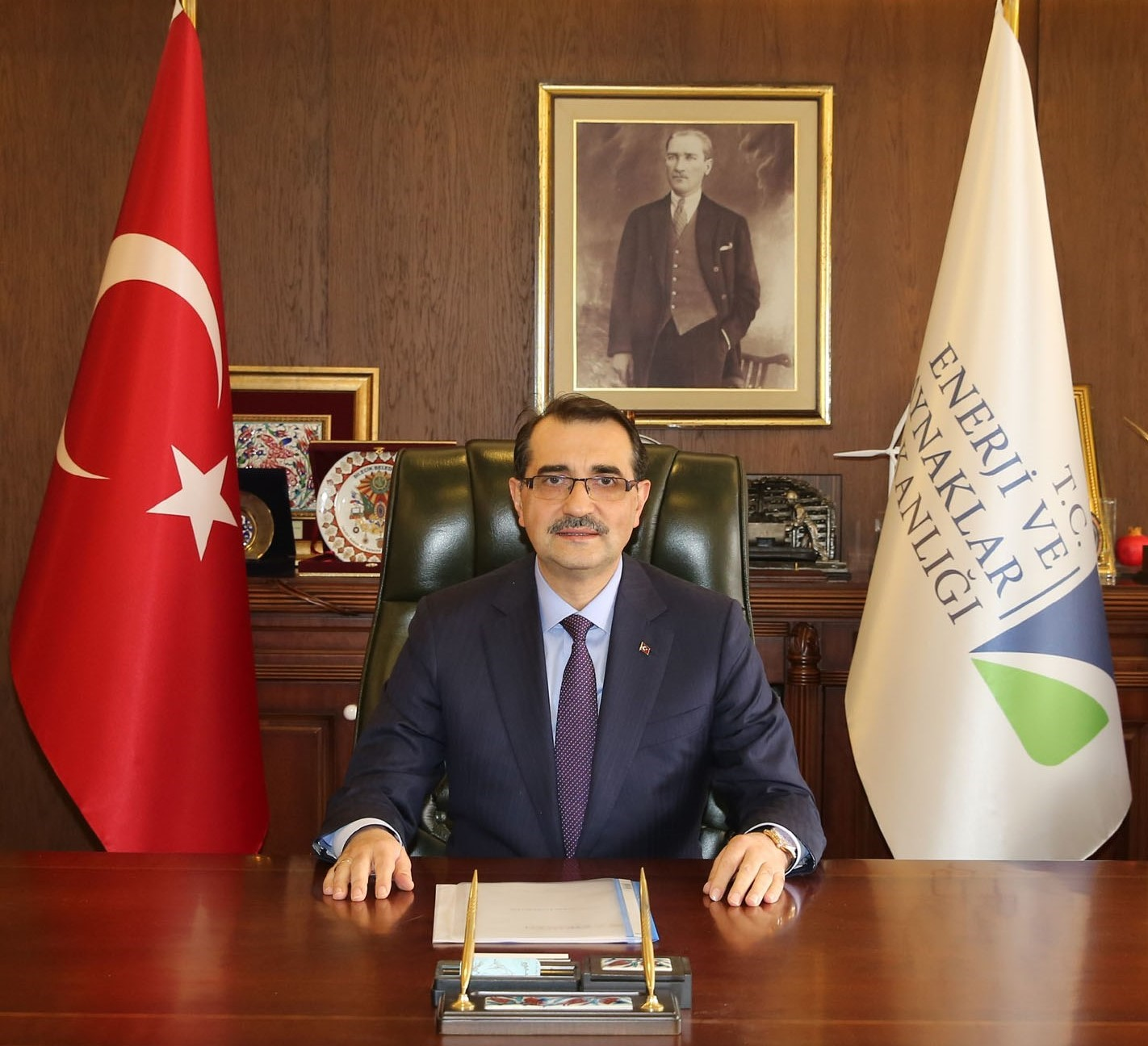 Turkey: Energy Minister announces drilling operations south of Kastellorizo