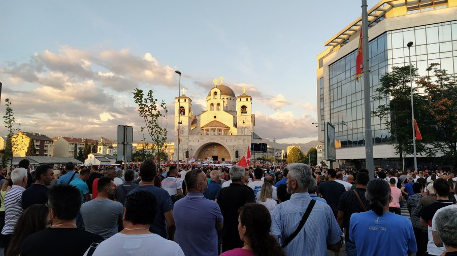 Montenegro: Priests arrested after processions