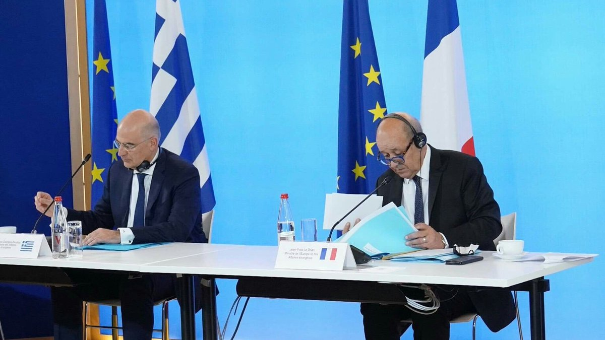 Greece: Foreign Minister raises issue of Turkish provocations while in France