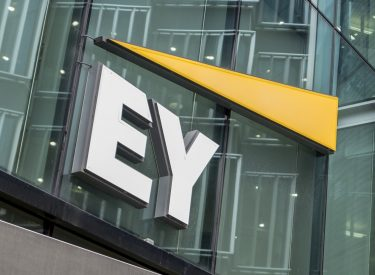 Greece: Ernst & Young sees recession up to 12.5%