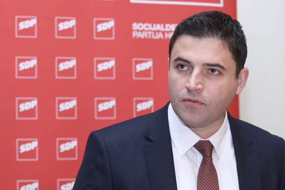 Croatia: The Church should stay out of politics, Bernardić says