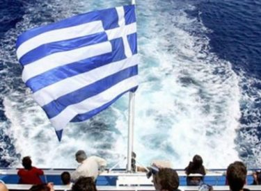 Greece: Greek tourism faces EUR 10 bln loses in revenue in 2020