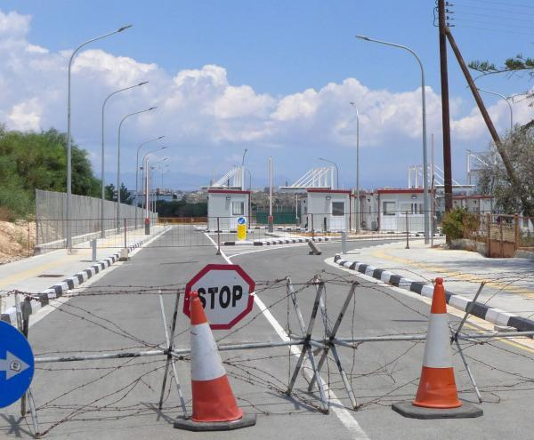 Cyprus: Crossing points are opening with tests for everyone