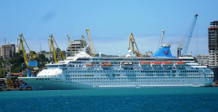 Albania to open its doors to sea passenger in two phases