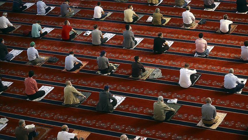 Turkey: Mosques to reopen for prayer on Wednesday