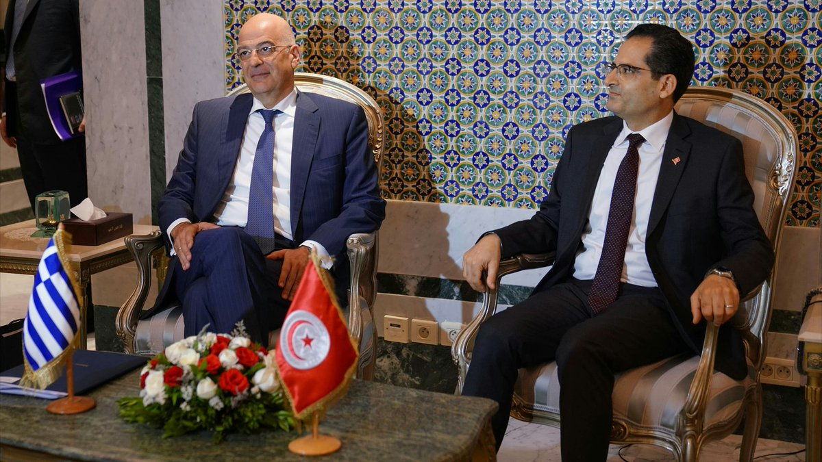Greece: Dendias and Erray discuss strengthening of bilateral relations while in Tunis