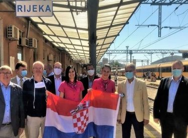 Croatia: The first Czech and Slovak tourists arrived by train in Rijeka