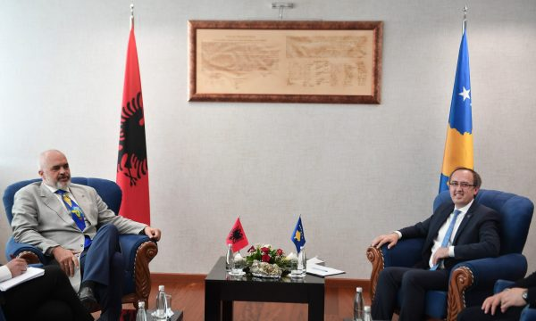 Kosovo: Hoti on an official visit to Albania today