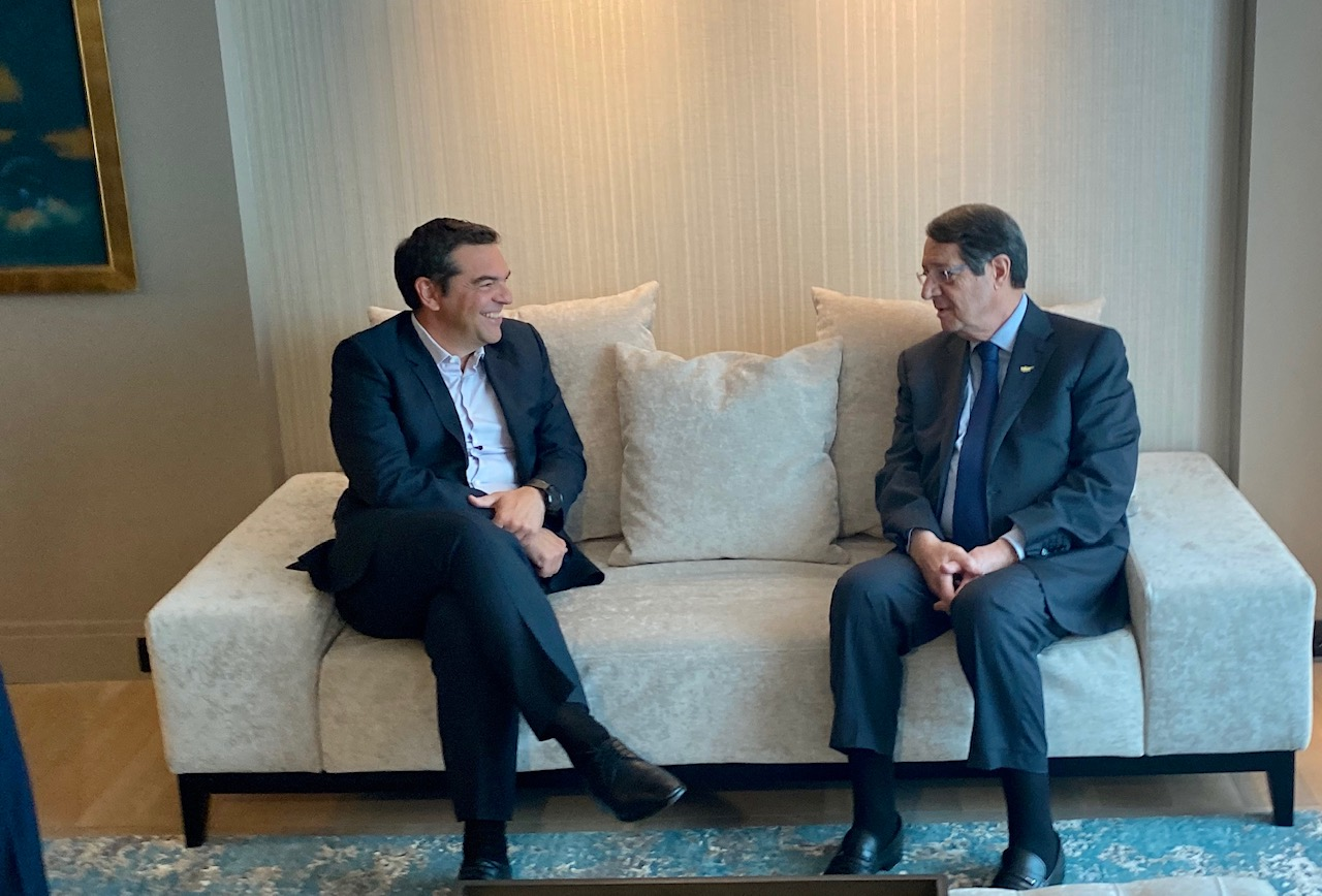 Greece: Anastasiades meets with Tsipras