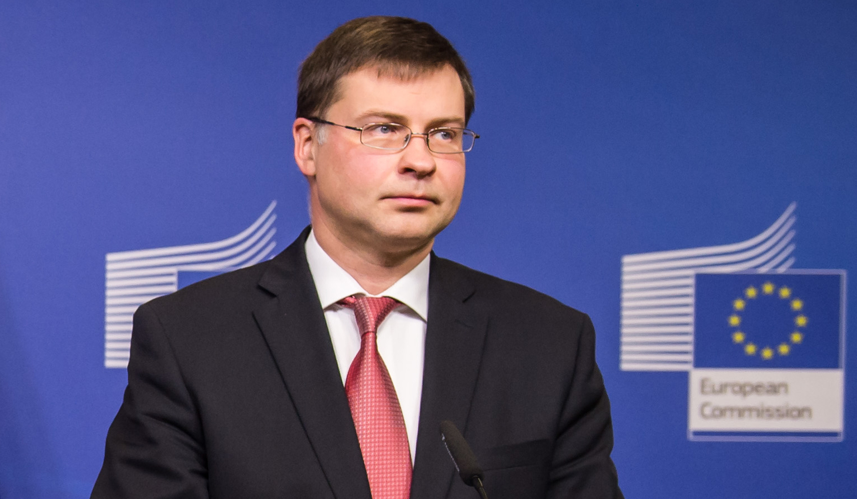 Bulgaria: Use of force must be proportional, says Dombrovskis