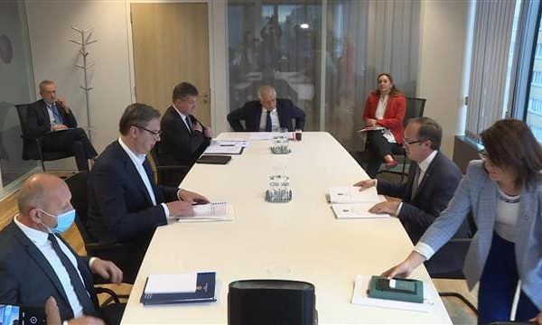 EU: Vučić, Hoti discuss missing, displaced persons, economic relations in Brussels