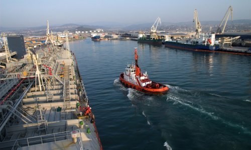 Slovenia: Greek ship with several infected crew members to arrive at Koper harbour