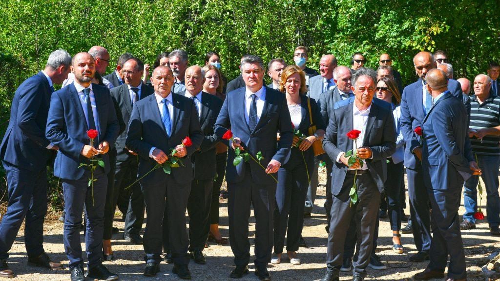 Croatia:Authorities holdcommemoration ofSerb victims in Grubori village