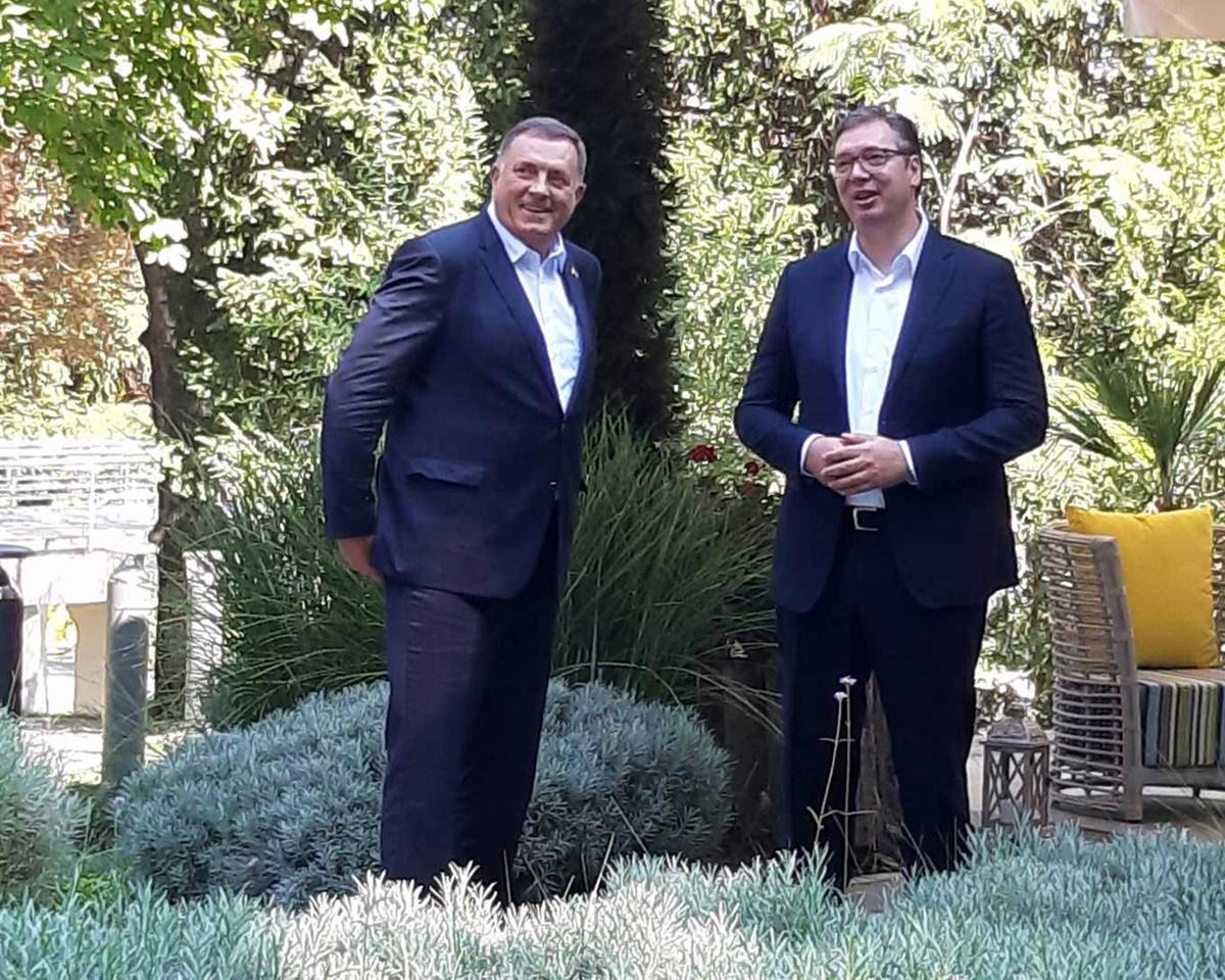BiH: Dodik in Belgrade, met with Vučić