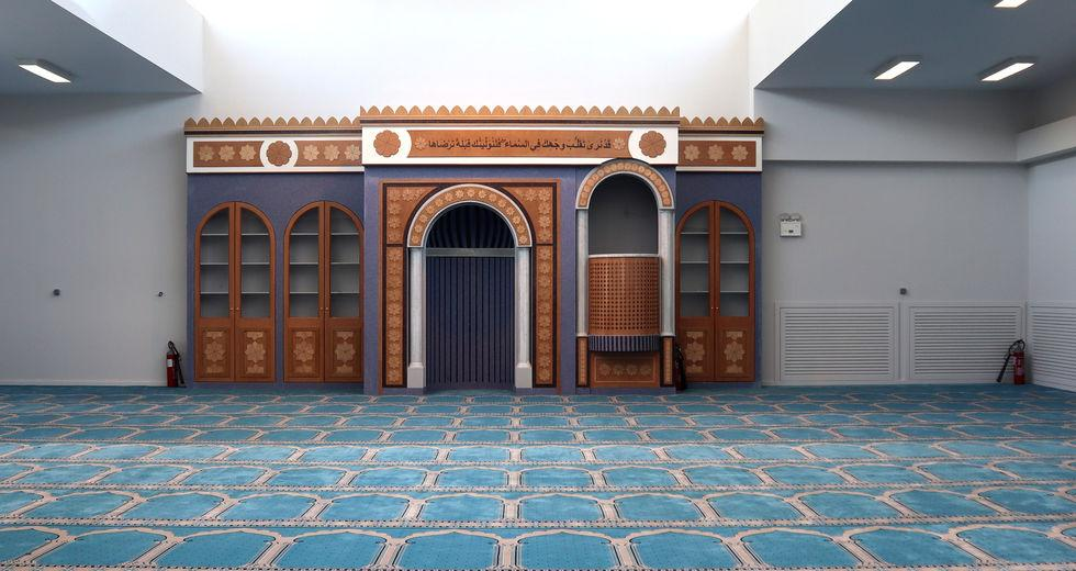 Greece: The first mosque in Athens has opened its doors for prayer after 14 years of design and construction