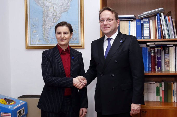 Serbia: Brnabic, Varhelyi discuss prospects for accession negotiations