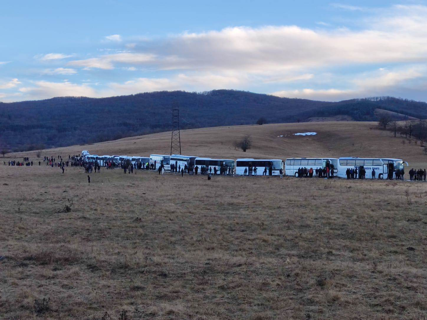 BiH: One thousand illegal immigrants remain stranded in busses