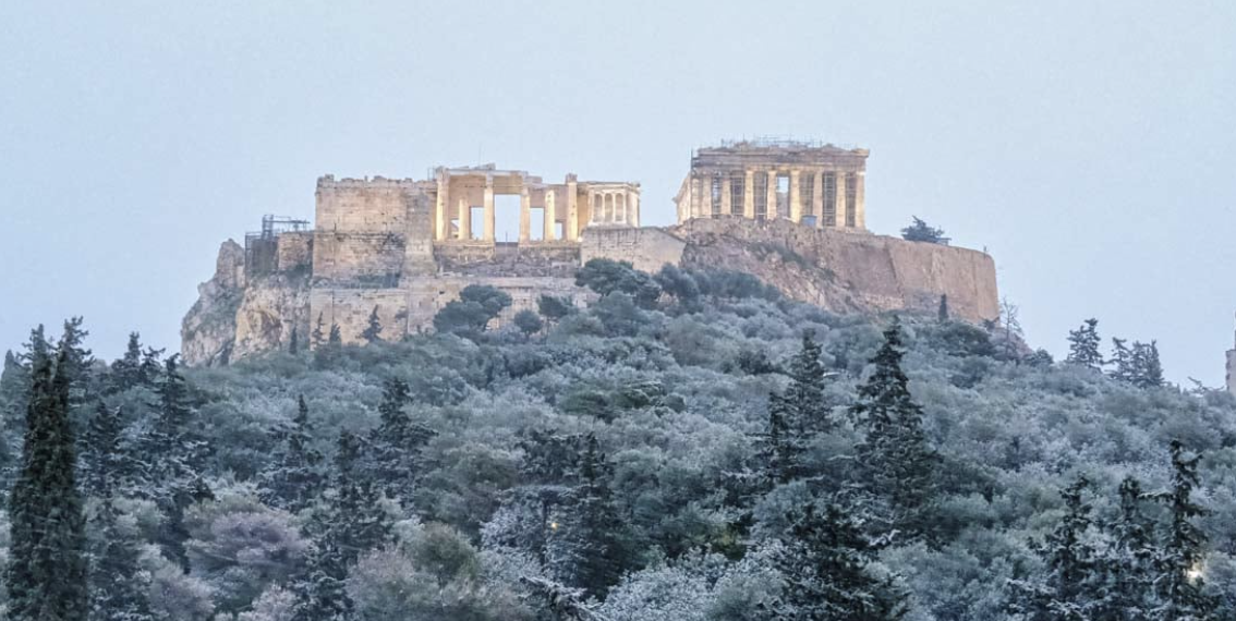 Greece: Extreme cold and snowfall hit Athens