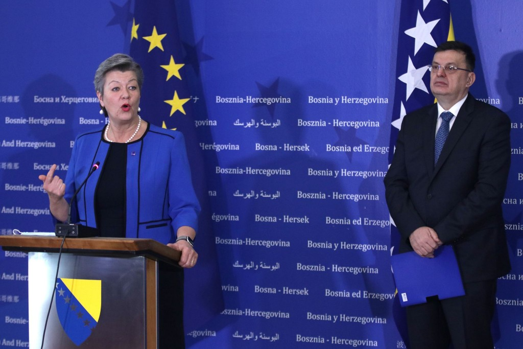 BiH: EU will help manage the migrant crisis, says Johansson
