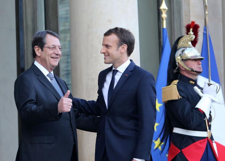 Cyprus: Anastasiades and Macron speak over the phone