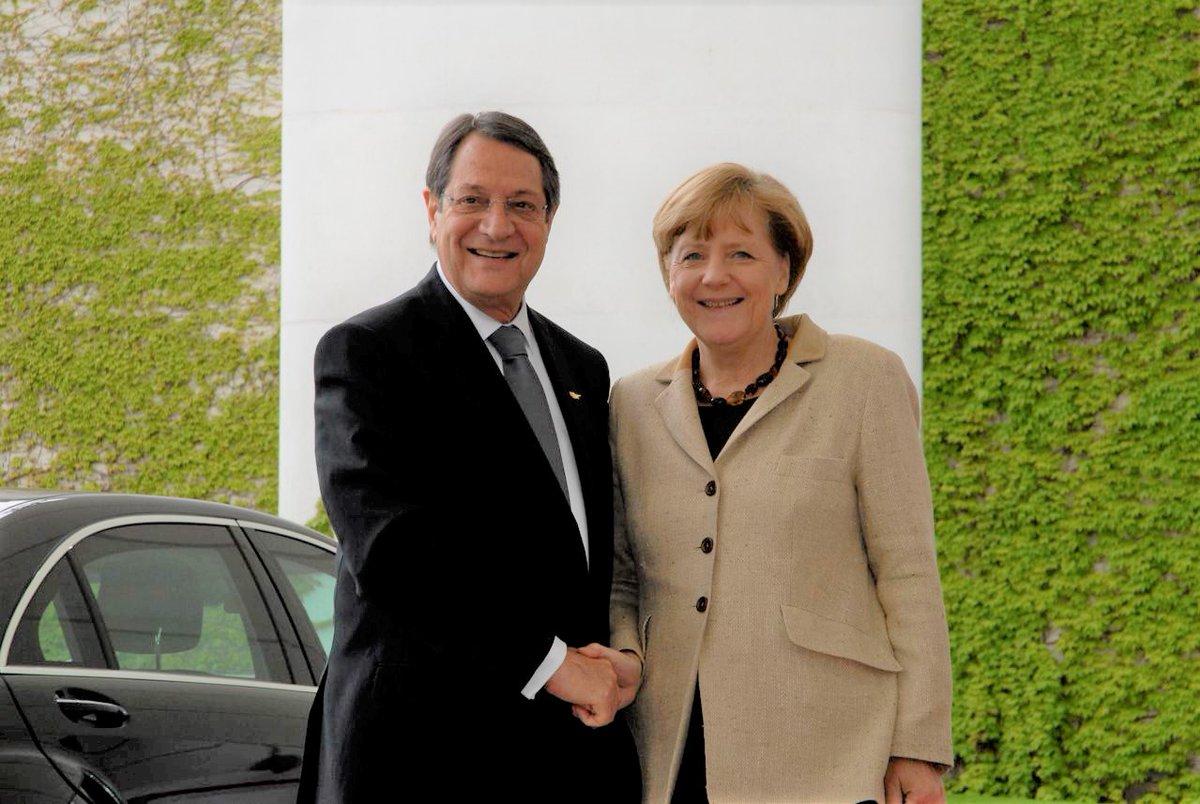 Cyprus: Anastasiades, Merkel spoke via video conference