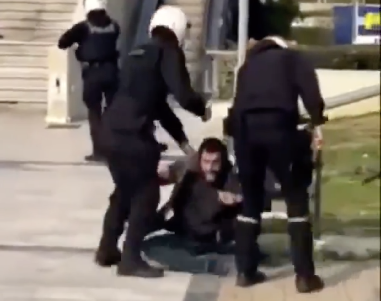 Greece: Opposition accuses the Government of authoritarianism after brutal beating of citizens by the Police