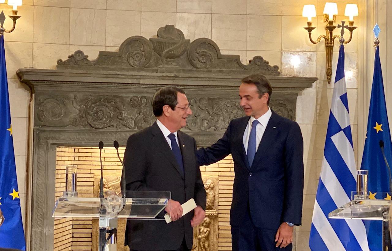 Cyprus: Anastasiades, Mitsotakis speak over the phone, discuss EastMed