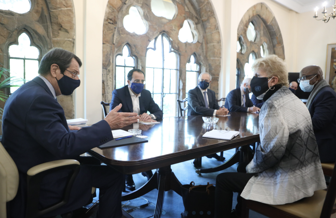 Cyprus: Lute meets with Anastasiades and Tatar