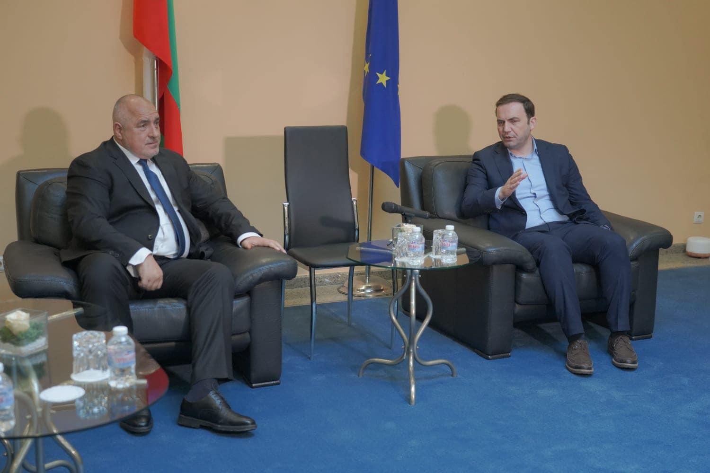 Bulgaria: Borissov and Osmani catch up at Sofia Airport