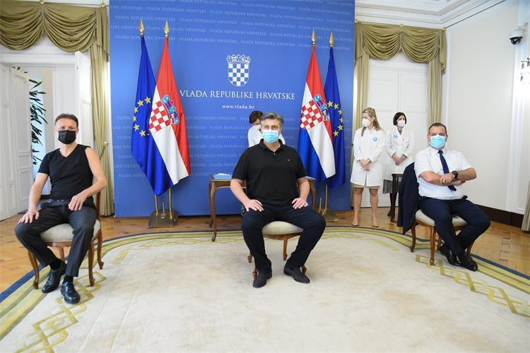 Croatia: Plenković, Jandroković, Beroš receive AstraZeneca vaccine