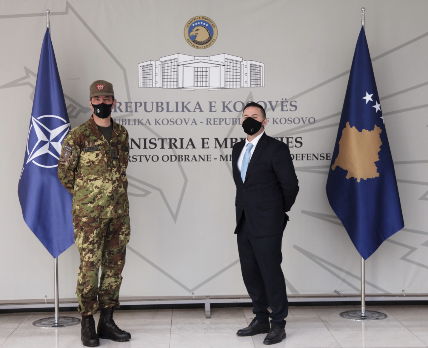 Kosovo: Defence Minister meets with KFOR Commander