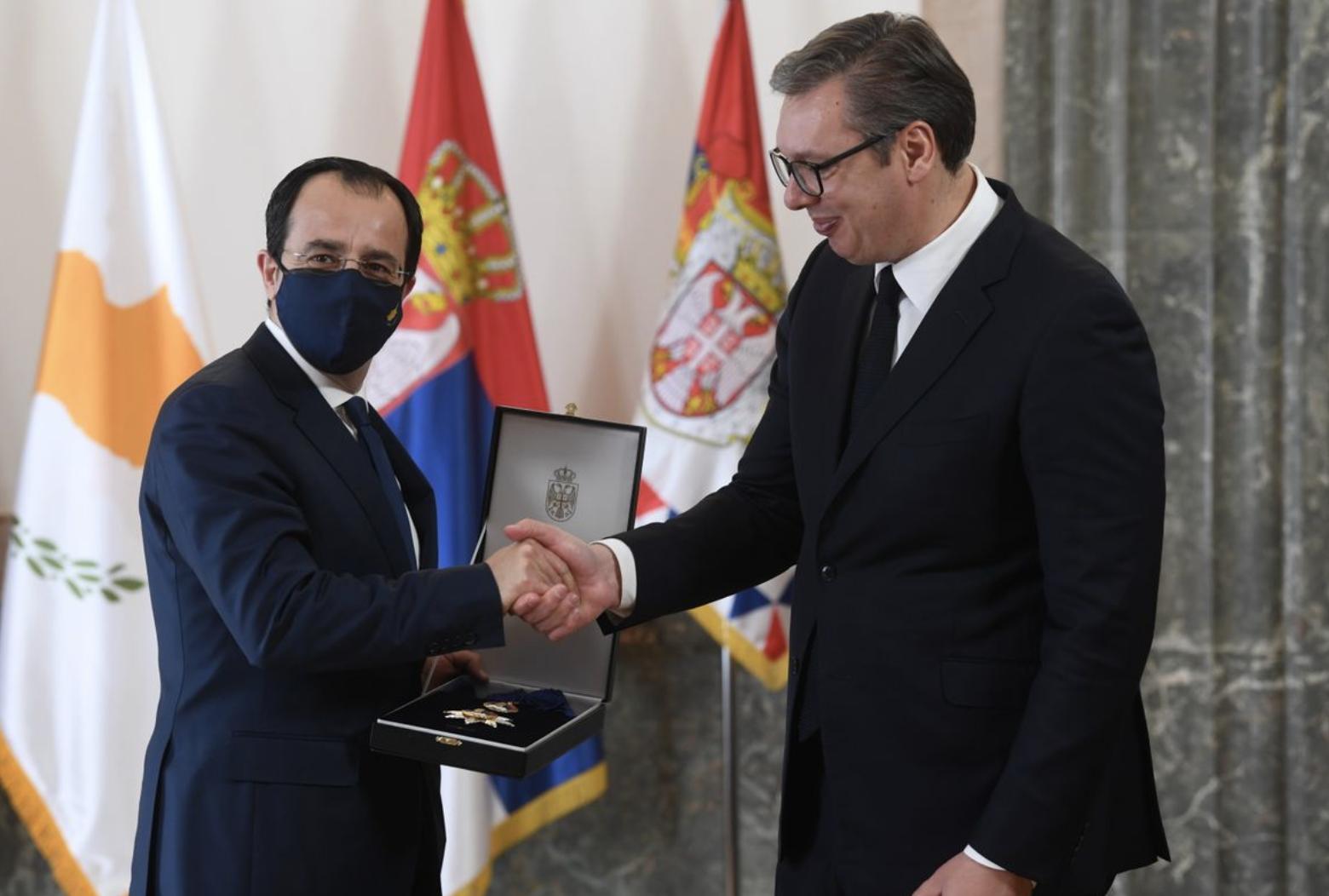 Serbia: President Vučič presents Christodoulides with Order of the Serbian Flag
