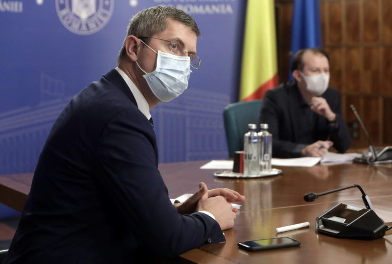 Romania: First attempt to solve the ruling coalition crisis ends without solution