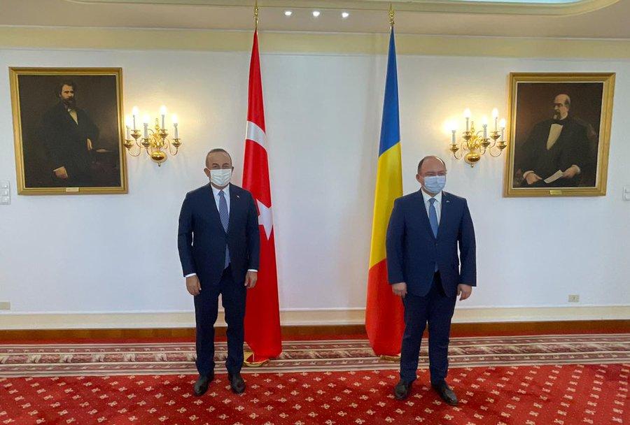 Romania: Aurescu meets with Çavuşoğlu on the sidelines of Romania-Turkey-Poland tripartite meeting