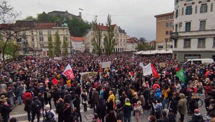 """Slovenia: """"Anti-Janša"""" protest in Ljubljana"""