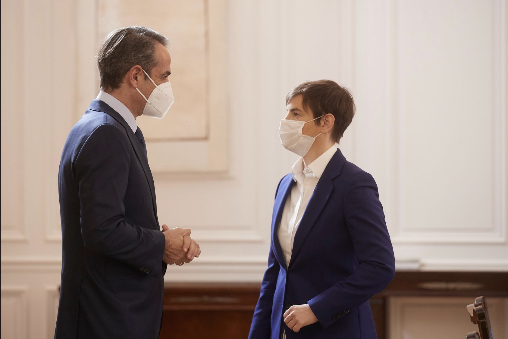 The expansion of bilateral cooperation was discussed by Mitsotakis and Brnabić