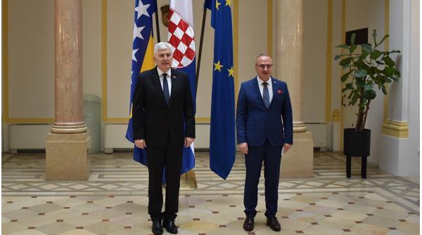 Croatia: Grlić Radman discussed election law amendments in BiH with HoP vice-president Čović