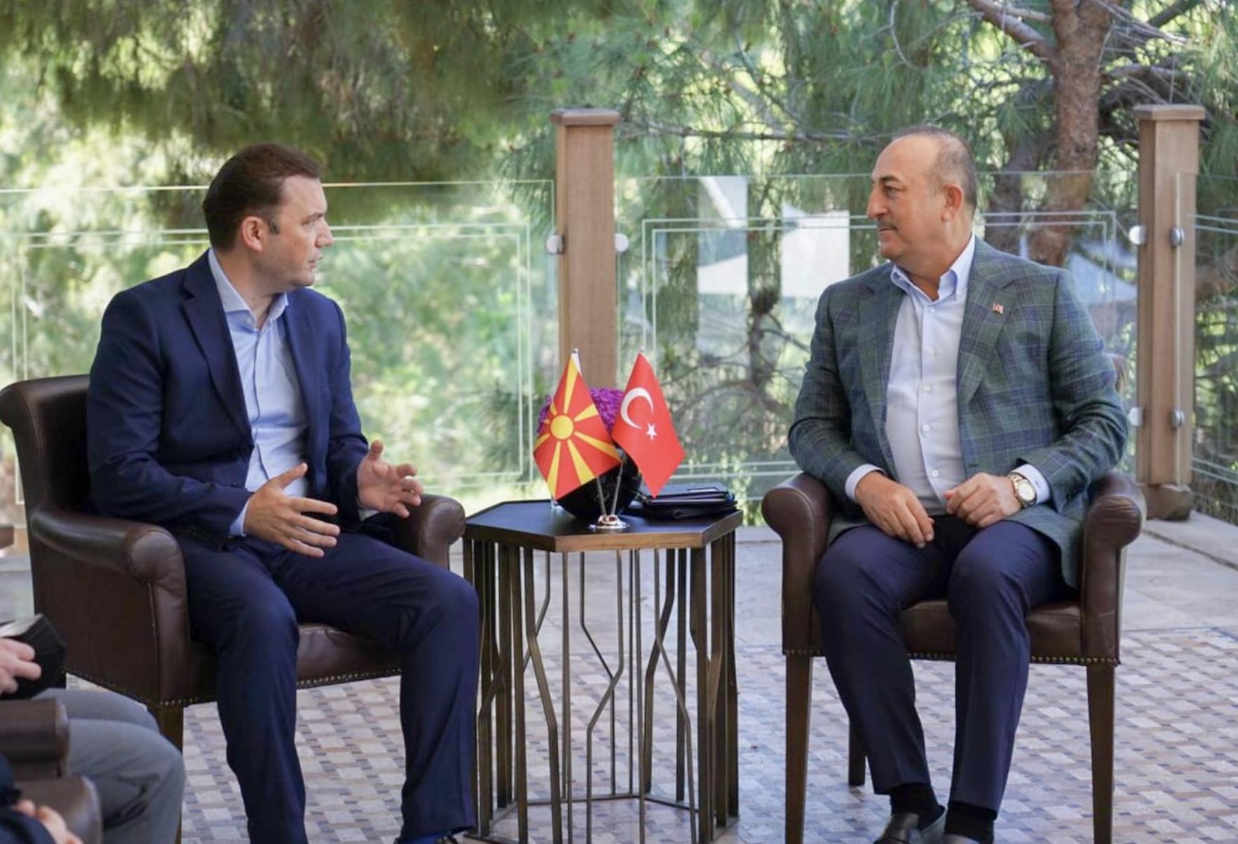 Osmani met Cavusoglu to Antalya