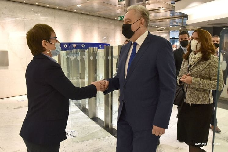 Montenegro: Krivokapić in official visit to UK, met EBRD President Renaud-Basso
