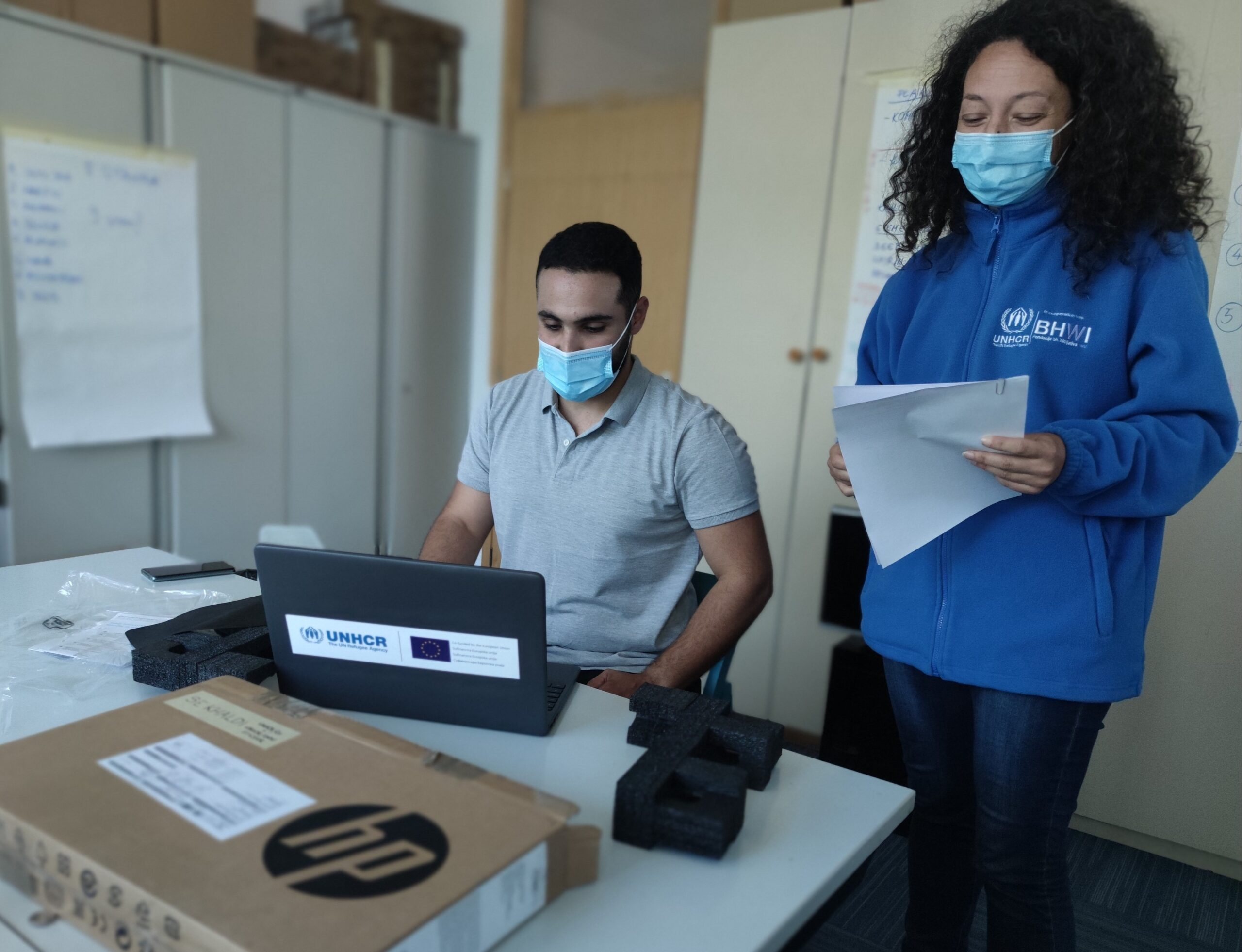 BiH: UNHCR donated equipment to pupils and youth who are refugees and asylum-seekers
