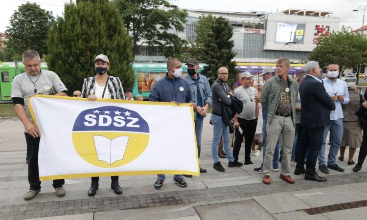 BiH civil servants protested in Sarajevo