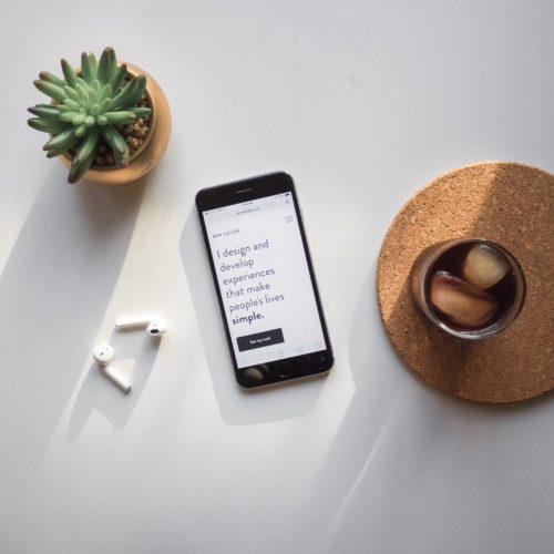 Marketingu i aplikacioneve mobile vs. faqeve web: 5 ndryshime të rëndësishme